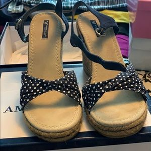 American Eagle polka dot wedges